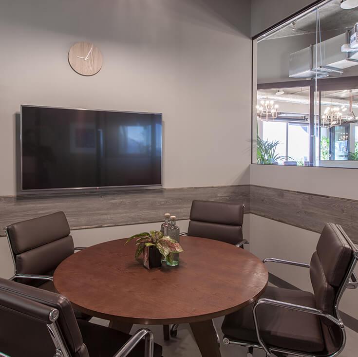 Replica Eames Mid Back Soft Pad Management Desk / Office Chair   Black