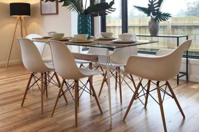 7 Tips for Buying the Right Dining Chairs Online